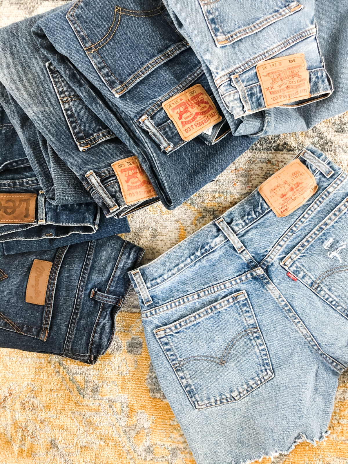 DIY – Turn Your Jeans Into DistressedShorts